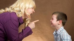 Descaso ou violência: como você tem cuidado de seus filhos?